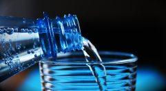 blue-bottle-close-up-327090